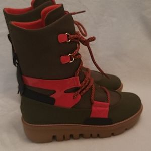 """Wmns size 6.5 FitFlop """"Glace"""" boot."""